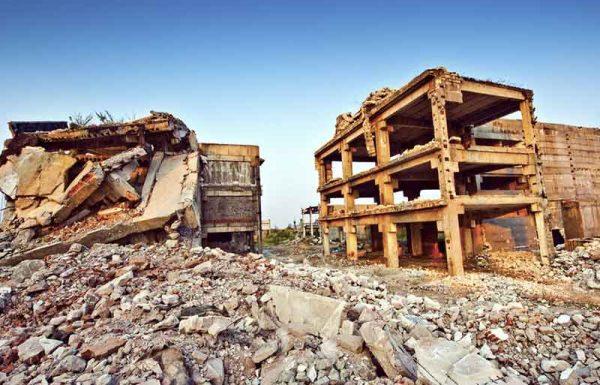 """הדבר אירע ביום חמישי בבוקר, ב-19 לספטמבר למניינם, בשנת תשמ""""ה. לפתע פתאום רעדה האדמה במקסיקו סיטי, והותירה אחריה חורבן והרס רב"""