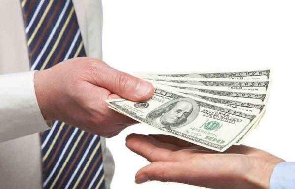 הצ'ק המפתיע מראש הכולל והדודה שפתאום נזכרה שהסבא שלח לו כסף מזמן
