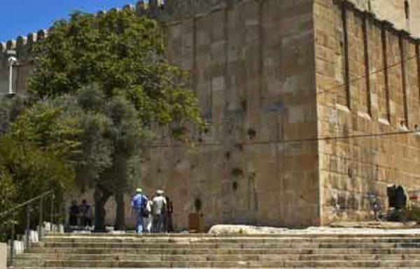 כך הצליחו נשות חברון היהודיות להסתנן למערת המכפלה