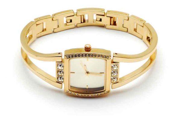 האם מותר לענוד שעון זהב ביום הכפורים?