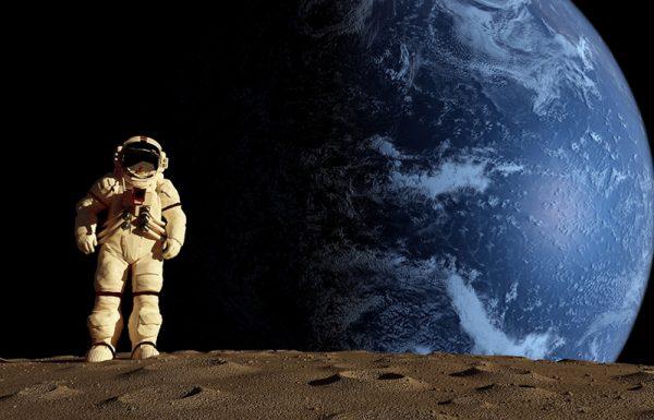 האם על פי ההלכה מותר לעלות לירח?