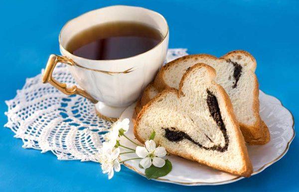 היכן נזכר בתורה איסור האכילה לפני תפילת שחרית?