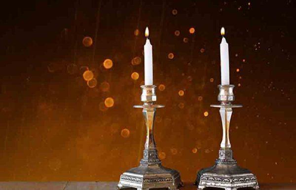 מי מכין את נרות השבת, ומי מכין את נרות החנוכה?