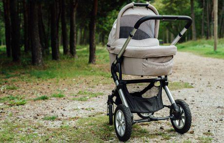 האם מותר להזיז עגלת תינוק בשבת ללא כל מטרה?