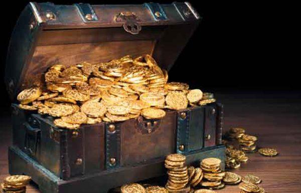 מעשה בסוחר עשיר שנסע פעם ליריד בלייפציג והיו עמו שמונה שקיות מלאות מטבעות של זהב, בדרך התנפלו עליו שודדים ושדדו ממנו את הכסף, ועל פי נס לא השגיחו באחד משקיות הכסף והיא נשארה אצלו, כשהגיע הסוחר אל הישוב הסמוך, שכר מיד איכרים שירדפו איתו אחרי הגזלנים, ונדר נדר שאם יהיה השם יתברך בעזרו להציל את ממונו, הוא מבטיח להפריש מעשר לצדקה..