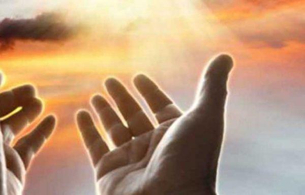 """בברכיים כושלות ניגש הקנטוניסט לעמוד, כשחבריו מלווים אותו. אז פצה הקנטוניסט את פיו בתפילה: """"רבונו של עולם!"""" – קרא החזן הקנטוניסט בהתרגשות ומחה דמעה סוררת: """"גלוי וידוע לפניך שאין לי מושג איך מתפללים, אינני יודע אפילו על מה להתפלל. הרי מה נבקש ממך?"""", אמר בזעקה נואשת"""