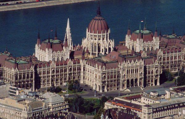 תורה מחזרת: שיעורי 'הדף היומי בהלכה' בבודפשט שבהונגריה